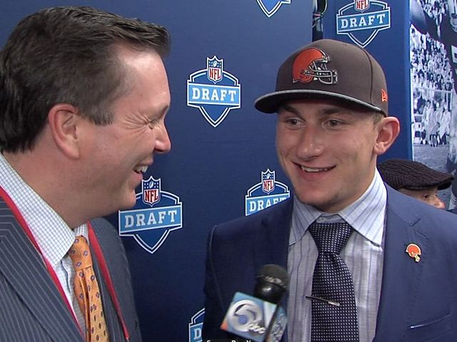 Johnny_Manziel_interview_with_Mike_Cairn_1588880000_4524019_ver1.0_640_480