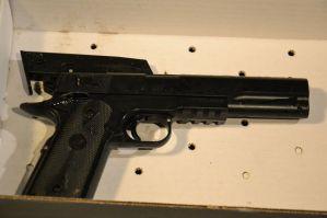 cleveland-police-officer-shoots-12-year-old-boy-04600e4e02eb25eb