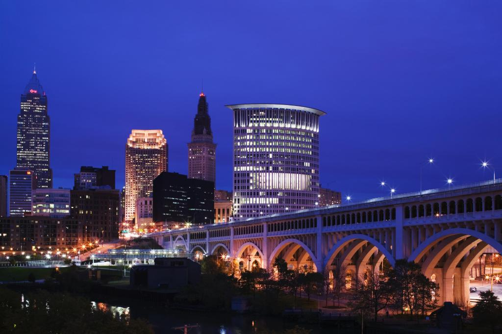 USA, Ohio, Cleveland, Downtown View with Detroit Avenue Bridge from Flats Area