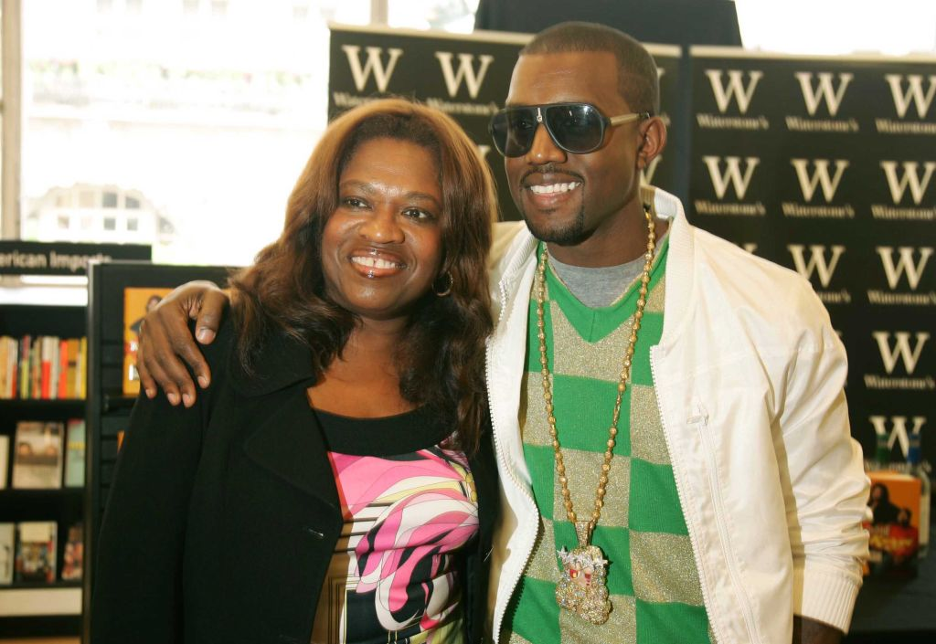 Kanye West Signs Copies of 'Raising Kanye: Life Lessons From The Mother Of A Hip-Hop Superstar'