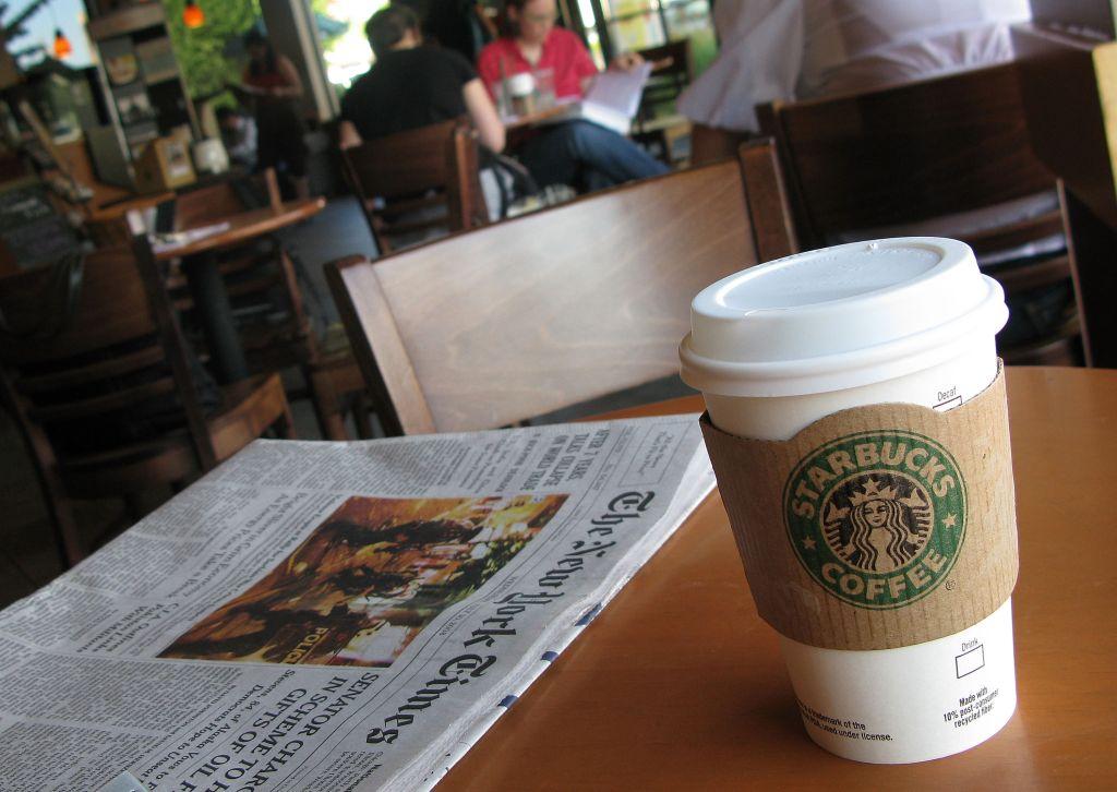 Starbucks Posts First Quarterly Loss Since 1992