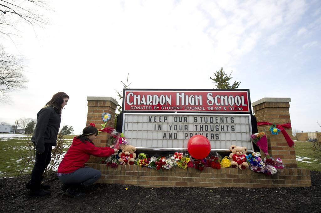 Chardon Ohio Mourns Deadly School Shooting