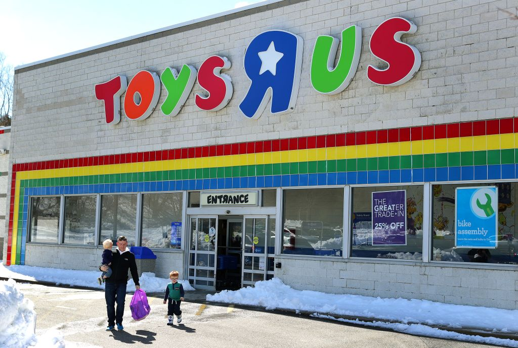 Toys R Us Filing For Bankruptcy