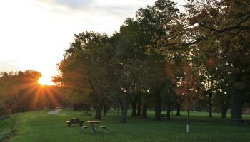 Sunrise over the Scenic park, Edgewater Metroparks, Cleveland, Ohio, USA