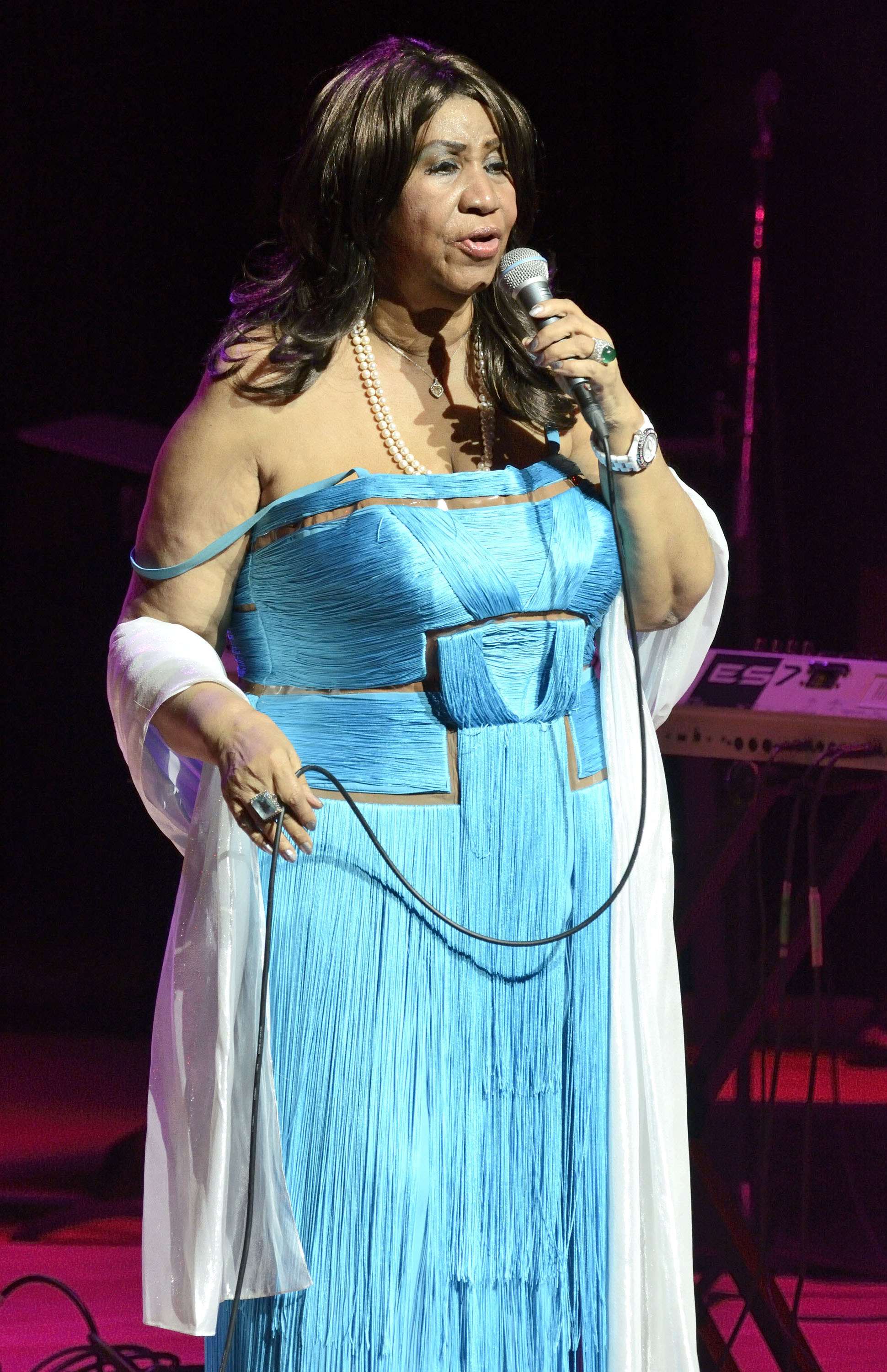 Aretha Franklin performs live