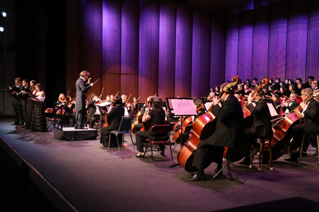 Maestro Carlo Ponti and the Los Angeles Virtuosi Orchestra perform at the Arcadia Performing Arts Center