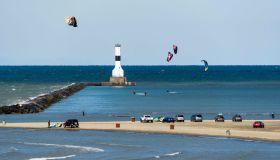 Kitesurfing, Conneaut West Breakwater Lighthouse, Lake Erie...