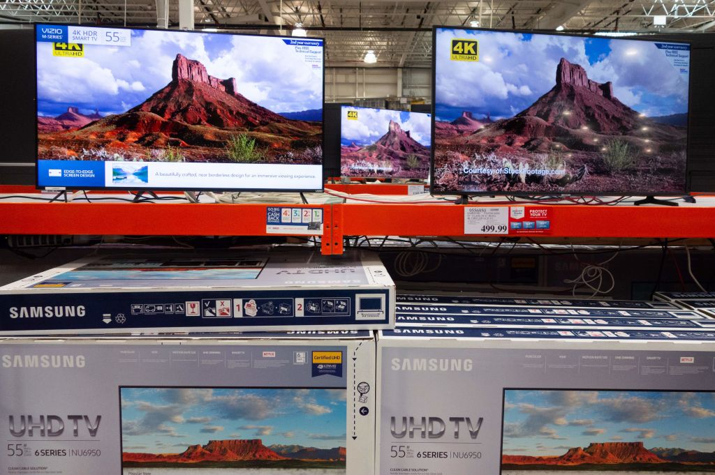 Samsung Presents A Huge 219 Inch Tv Known As The Wall 931 Wzak