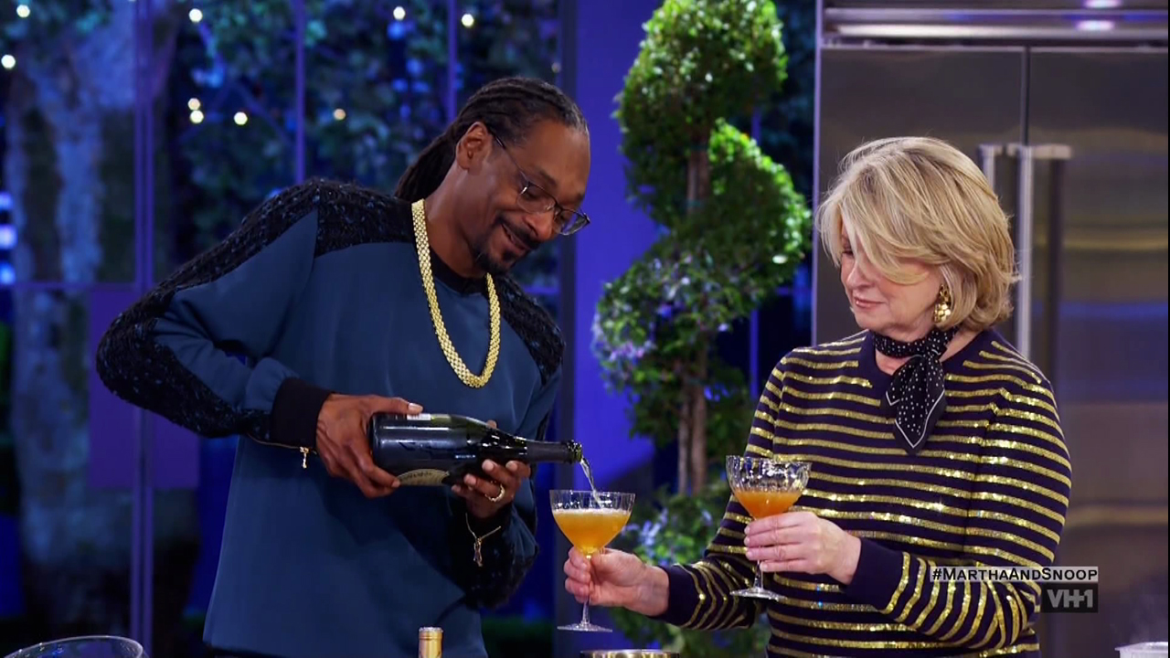 Martha & Snoop's Potluck Dinner Party Season 2 Episode 6 as seen on VH1.