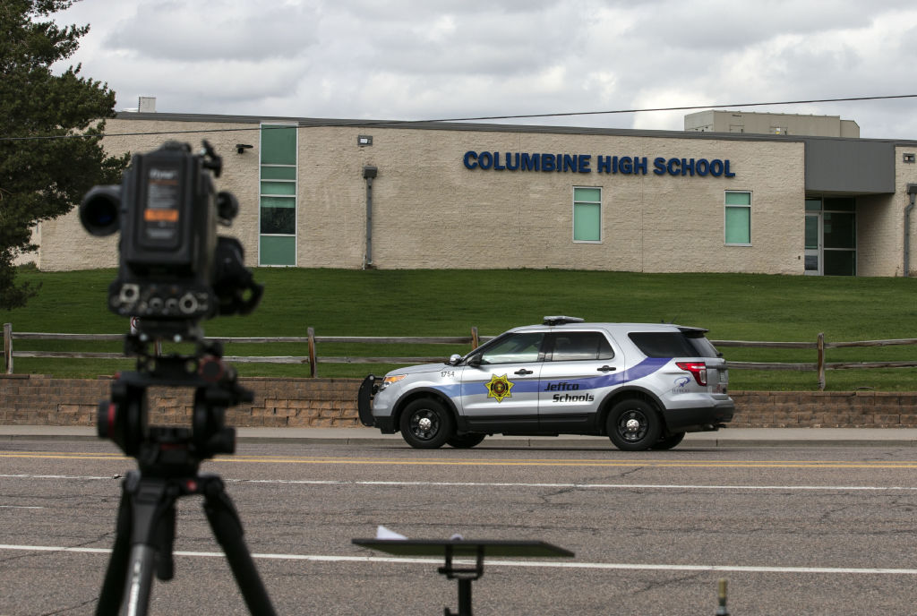 US-SHOOTING-SCHOOL-POLICE-POLITICS
