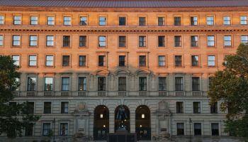 1930's Neoclassical Style Sandstone Building, Landmark Drury Plaza Hotel, Cleveland, Ohio, USA