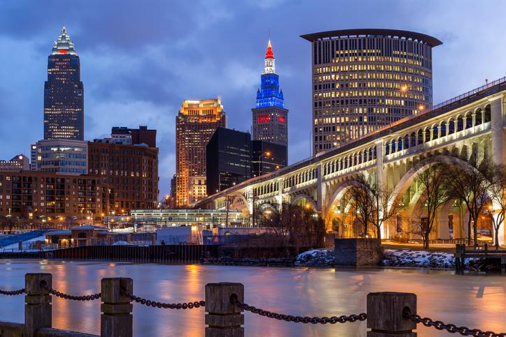 Sunrise, Cuyahoga River, Detroit-Superior Bridge, Skyline, Cleveland, Ohio, America