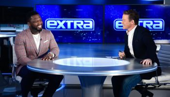 "Robe Lowe And 50 Cent Visit ""Extra"""